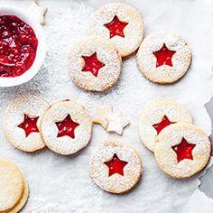 Ciasteczka świąteczne Christmas Desserts, Christmas Baking, Christmas Cookies, Baking Recipes, Cookie Recipes, Food Decoration, How Sweet Eats, Gingerbread Cookies, Sweets