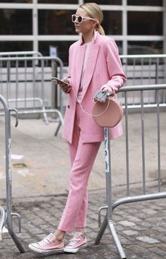 Boss Lady Outfit Idea For You:- Wanderlust Fashion Pink Outfits, Mode Outfits, Fashion Outfits, Fashion Tips, Fashion Trends, Fashion Quotes, Fashion Ideas, Suit Fashion, Office Outfits