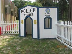 Cubby Houses, Play Houses, School Age Activities, Preschool Activities, Kids Police, Police Party, Cardboard Box Crafts, Lego City Police, Coding For Kids