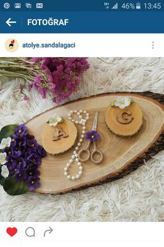 Kütük nişan tepsisi Graduation Open Houses, Lavender Recipes, Wooden Slices, Diy Crafts For Gifts, Tray Decor, Henna, Decorative Trays, Bridal, Pattern