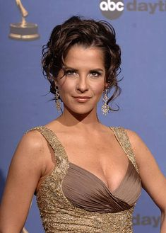 Kelly Monaco, co-host during Annual Daytime Emmy Awards - Press Room at Kodak Theater in Hollywood, California, United States. Classy Women, Sexy Women, Kelly Monaco, Bond Girls, Thing 1, Famous Celebrities, Cute Woman, American Actors, Beautiful Women