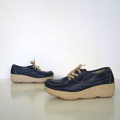 nostalgia=1970s Famolare Shoes / 70s Wedge Oxfords / Midnight Blue / 10 M. $48.00, via Etsy.