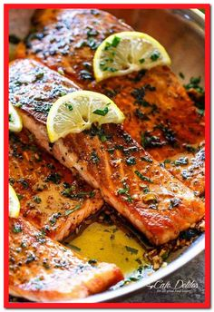 Crispy Seared Lemon Garlic Herb Salmon is a deliciously easy salmon recipe, so s. - Crispy Seared Lemon Garlic Herb Salmon is a deliciously easy salmon recipe, so simple to make, yet - Salmon Recipe Pan, Easy Salmon Recipes, Fish Recipes, Seafood Recipes, Cooking Recipes, Healthy Recipes, Simple Salmon Recipe, Salmon Stovetop Recipes, Olive Garden Salmon Recipe