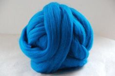 Check out MERINO Roving 23mic - TURQUOISE - co. no. 51 on appleoakfibreworks