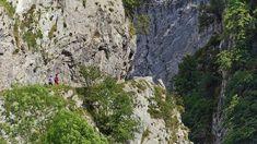 Las Xanas, en el concejo de Santo Adriano Mount Rushmore, Mountains, Nature, Travel, Adventure, Beautiful Places, Paths, Naturaleza, Trips