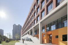 Image 9 of 40 from gallery of School with an Open Space / Beijing Institute of Architectural Design Division. Photograph by XIA Zhi Open Space Architecture, Pavilion Architecture, School Architecture, Architecture Design, Beijing, School Building Design, School Design, High Rise Building, Gallery
