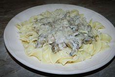 Retete Culinare - Paste tagliatelle cu sos alb ciuperci