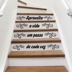 Aproveita a vida um passo de cada vez - Textos e Citações - Decoração em vinil Autocolante decorativo para escadas