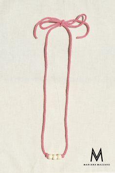 Colar de #Crochet Molly. Cor: Rosa claro com bolas de madeira. #Handmadeforyou Código do produto: 566B69 Compras ou encomendas e-mail: oimarimazzaro@gmail.com WhatsApp: (18) 99771-0203