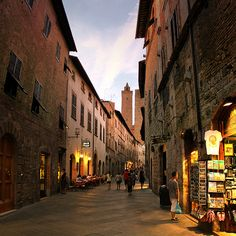 Truly magical atmosphere in San Gimignano by night                        San Gimignano, Tuscany, Italy