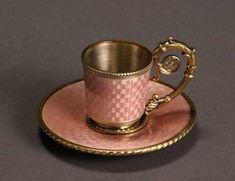 Coffee Set, Coffee Cups, Catherine La Grande, Antique Tea Cups, Vintage Teacups, Pink Cups, Teapots And Cups, Tea Service, Tea Cup Saucer