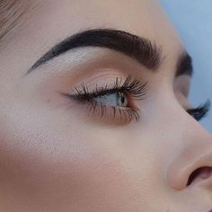 Looking for a liquid, gel or pencil eyeliner on the cheap? These drugstore brand. - Looking for a liquid, gel or pencil eyeliner on the cheap? These drugstore brand. Makeup Goals, Makeup Inspo, Makeup Inspiration, Makeup Style, Makeup Ideas, Makeup Tutorials, Beauty Make-up, Beauty Hacks, Hair Beauty