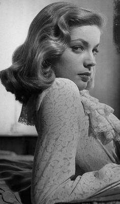 Lauren Bacall gorgeous