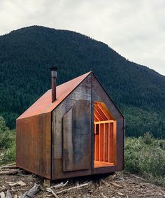 """archatlas: """" Site Shack: a mobile, off-grid, corten steel workspace Developed by and for the project managers at Powers Construction, the 'site shack' is a prototype for a 'premade' mobile workspace. Modern Tiny House, Tiny House Cabin, Tiny House Design, Cabin Homes, Small Buildings, Garden Buildings, Architecture Design, Mobile Architecture, Garden Cabins"""