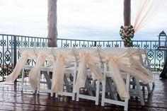 A quaint wedding at Hyatt Zilara Cancun Puerto Vallarta, Cancun, Wedding Stuff, Mexico, Table Decorations, Pretty, Dinner Table Decorations