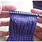Photo gallery: Step-by-step guide to knitting socks - Slide 7 strickmuster Socken A simple knitted sock pattern for beginners Beginner Knitting Patterns, Knitting For Beginners, Knitting Projects, Hand Knitting, Crochet Patterns, Diy Knitting Socks, How To Knit Socks, Knitted Socks Free Pattern, Simple Knitting