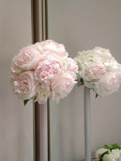 結婚式アイテムの中でとっても大切なお花♡ 私はお花が大大大好きなので、結婚式のテーマの一つにも『花』