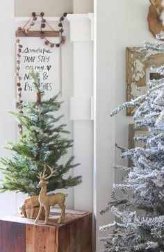 Balsam Hill Christmas Entryway | Rooms FOR Rent Blog | Traditional ...