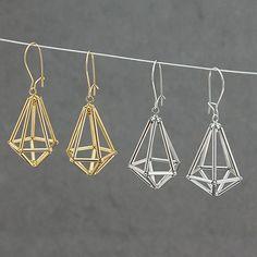 17 Outstanding Styles To Wear Beaded Tassel Earrings Diy Jewelry Gold, Wire Jewelry Designs, Bead Jewellery, Seed Bead Jewelry, Jewelry Patterns, Jewelry Crafts, Beaded Jewelry, Handmade Jewelry, Beaded Tassel Earrings