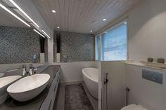 Sink, Bathtub, Bathroom, Home Decor, Sink Tops, Standing Bath, Washroom, Vessel Sink, Bathtubs
