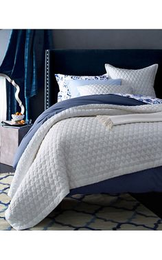 http://m.garnethill.com/products/379460?path=~fairbanks-upholstered-bed~bedding-home~furniture~&defattribvalue=main