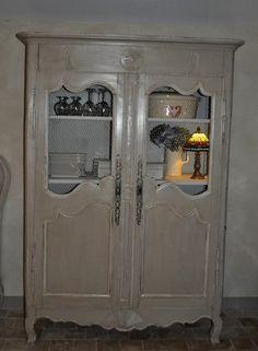 pochoirs placards voici ci dessous ma salle a manger customisee entierement collages. Black Bedroom Furniture Sets. Home Design Ideas