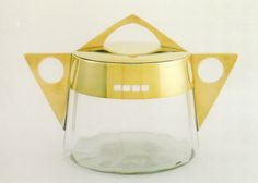 Covered Tureen ▪ Cut-glass bowl with brass lid and handles ▪ Designed by Gisela Falke von Lillienstein ▪ 1902 (not strictly WW by a year but Lillienstein designed for the company thereafter). Art Nouveau, Art Deco, Modern Art Movements, Cut Glass, Minneapolis, Minimalist Design, Design Art, Arts And Crafts, Cover