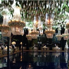 Table Arrangements For Wedding Receptions – Bridezilla Flowers Wedding Goals, Wedding Events, Wedding Planning, Dream Wedding, Lustre Floral, Wedding Designs, Wedding Styles, Floral Chandelier, Creation Deco