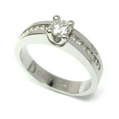 Solitario de oro blanco y diamante.    #solitario #pedida #compromiso #engagement #wedding #boda