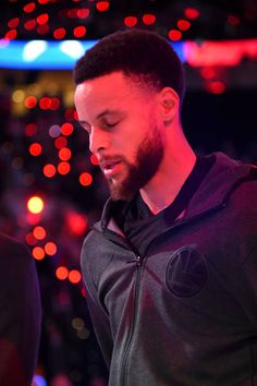 Stephen Curry Pictures and Photos - Getty Images Stephen Curry Basketball, Nba Stephen Curry, Love And Basketball, Stephen Curry Haircut, Stephen Curry Photos, Curry Wallpaper, Wardell Stephen Curry, Best Nba Players, Larry Bird