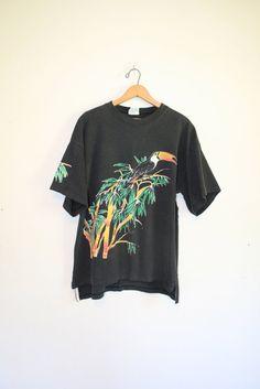 FADED TOUCAN TEE // 90s // t-shirt // black // tropical // kawaii // oversize…