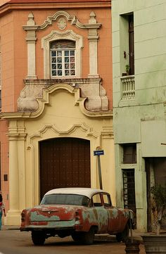 Rear view of an antique car parked outside a building, Havana, Cuba Cuban Architecture, Architecture Design, Cienfuegos, Varadero, Beautiful Islands, Beautiful World, Havanna Cuba, Cuba Itinerary, Cuba Cars