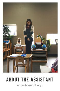Thoughts of an Assistant's Role in the Montessori Classroom The Effective Pictures We Offer You About Montessori Education student A quality pict Montessori Classroom Layout, Montessori Room, Montessori Education, Montessori Toddler, Montessori Activities, Primary Classroom, Primary School, School Assistant, Teacher Assistant