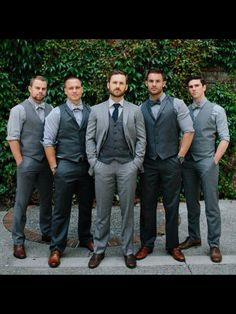 These mismatched blue suits look incredible on this group of dapper groomsmen. … These mismatched blue suits look incredible on this group of dapper groomsmen. Paired with dark brown shades on the shoes, these men are ready for a fall wedding. Wedding Groom, Wedding Men, Wedding Suits, Wedding Attire, Dream Wedding, Trendy Wedding, Tuxedo Wedding, Casual Fall Wedding, Menswear Wedding