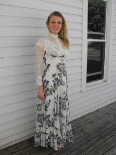 Gunne Sax Dress Prairie Lace Ruffle Victorian Floral by soulrust, $89.99 Love the vintage look and lace!