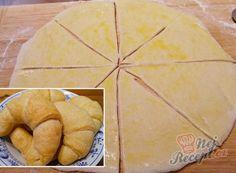 Ovocná bublanina našich babiček | NejRecept.cz Kefir, Something Sweet, Pineapple, Bakery, Food And Drink, Bread, Cheese, Fruit, Cooking