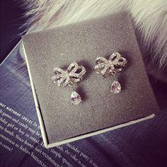 Jeulia Flower Shape Pear Cut Created White Sapphire Women's Earrings Sterling Silver