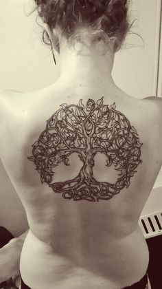 Celtic tree of life tattoo by dan kytola tattoo древо жизни, Mom Tattoos, Sexy Tattoos, Body Art Tattoos, Tatoos, Celtic Tatoo, Celtic Tree Tattoos, Tattoo Life, I Tattoo, Tree Branch Tattoo