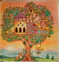 Happy Friday!! #coloringbook #livredecoloriage #jardinsecret #secretgarden…