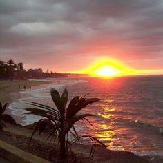 Puesta de sol en Aguada Puerto Rico.