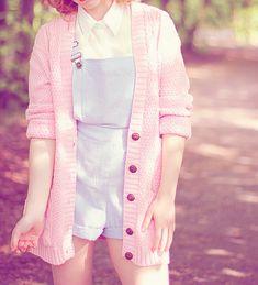 Cute Asian Fashion - http://eyecandyscom.tumblr.com Utrolig søt stil! Liker denne veldig. Lyse farger passer meg:)