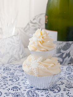 Jaleo en la Cocina: Se acaba la Navidad... ¡Cupcakes de Sorbete de Limón!