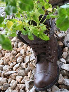 Crocs-schuhe Deko Zum-aufhängen Garten-schmuck-rot Bepflanzt ... Alte Schuhe Bepflanzen Originelle Pflanzgefase Garten