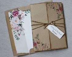 Floral Wedding Invitation Rustic Wedding por LoveofCreating en Etsy