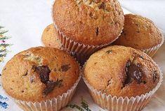 Τα Κεκάκια Μήλου είναι πολύ ελαφρύ γλυκό και μπορούμε να τα τρώμε για πρωινό δεν είναι πολλή γλυκά και επίσης είναι ελαφριά. Greek Sweets, Greek Desserts, Greek Recipes, Mini Cakes, Cupcake Cakes, Cupcakes, Cyprus Food, Cookie Frosting, Cake Bars