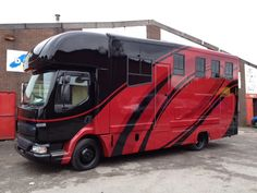 This 2006 #DAF LF #horsebox carries up to three horses | For #sale on #HorseDeals