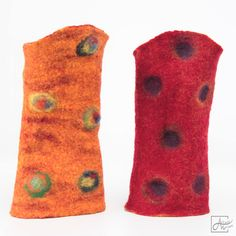 Gorgeous fingerless gloves in mouthwatering shades of citrus orange and vivid raspberry - Merino wool felt gloves made with love in Paris