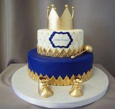 Little Prince Crown Baby Shower Cake - Kinder Torten - Baby Shower Royal Baby Shower Theme, Baby Shower Cakes For Boys, Boy Baby Shower Themes, Baby Boy Shower, Prince Themed Baby Shower, Baby Cakes, Baby Birthday Cakes, Prince Birthday, Birthday Ideas