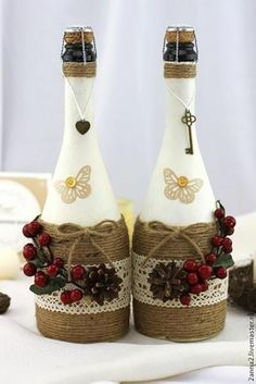 Wine Bottle Crafts – Make the Best Use of Your Wine Bottles – Drinks Paradise Glass Bottle Crafts, Wine Bottle Art, Painted Wine Bottles, Diy Bottle, Bottles And Jars, Glass Bottles, Empty Wine Bottles, Christmas Wine Bottles, Wine Craft