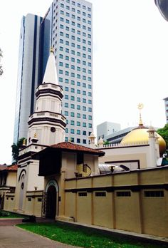 Historic old among the new. Mosque, Asia Travel, Pisa, Singapore, Traveling, Tower, Building, Lathe, Travel
